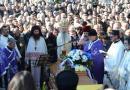 Sahranjen Oliver Ivanović, građani iz cele Srbije mu odali počast