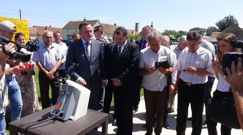 MINISTAR ALEKSANDAR ANTIĆ OTVORIO POČETAK RADOVA NA TOPLOVODU U BOGATIĆU-RADIO NEŠVIL 16.07.2018.